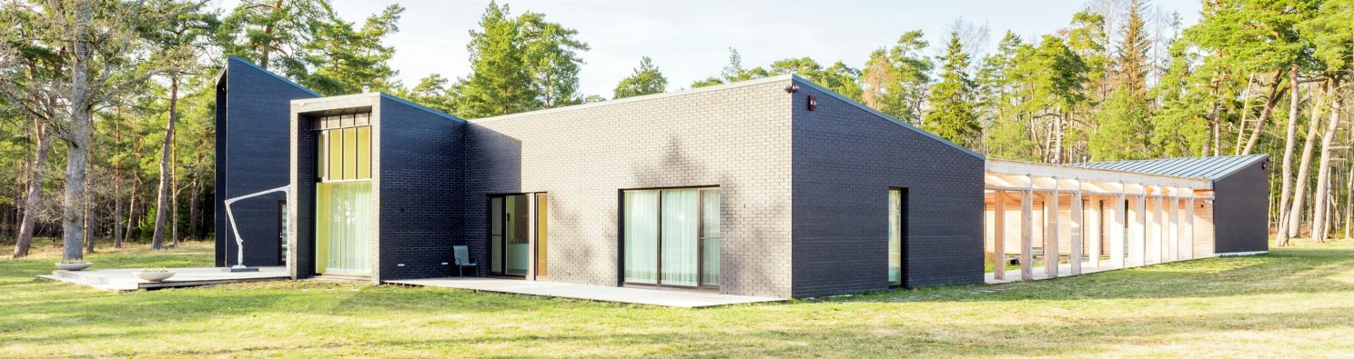 Private house in Estonia. Used materials: Terca Nero smooth bricks from Aseri plant (Estonia).